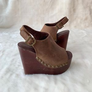 Jeffrey Campbell Wood studded Brown Wedge Shoe